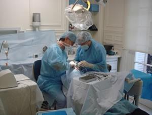 Environnement stérile réalisé dans un cabinet dentaire.